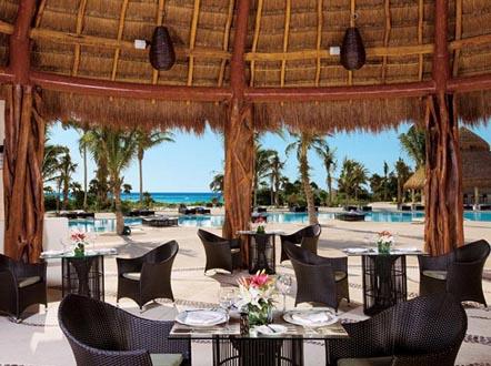 http://www.miserachi.com/wp-content/uploads/2016/12/Hoteleria_MAROMA-Seaside-Grill.jpg